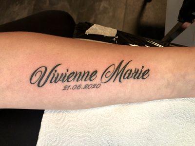 Lettering Vivienne Marie