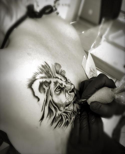 Loewe_Tattoo